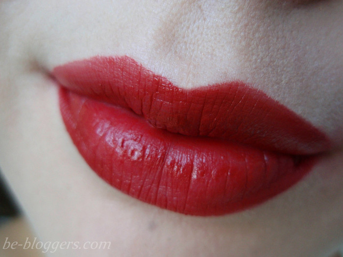 красная помада The Saem Saemmul Smudge Lip Crayon