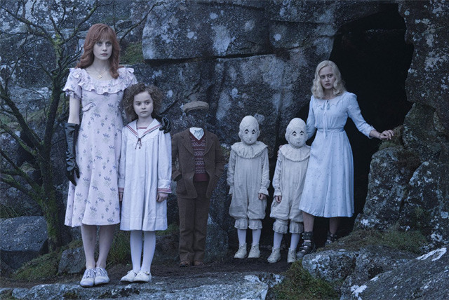 miss peregrines home for peculiar children trailer