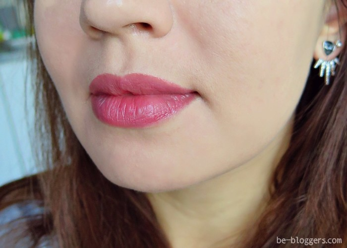 Burberry Kisses в оттенке № 77 Blush, свотч