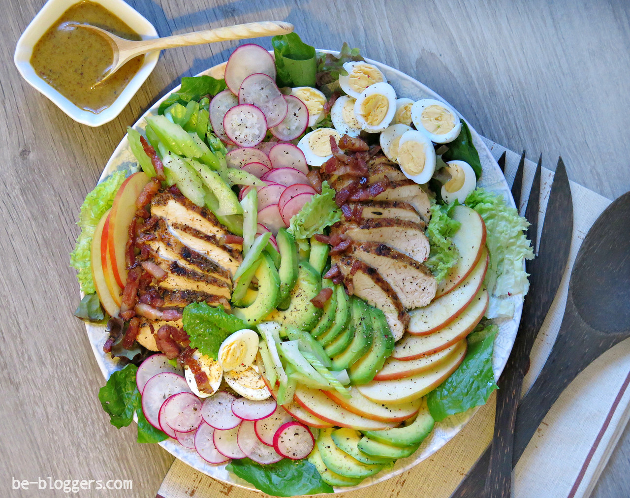 Салат столичный с индейкой рецепт 35