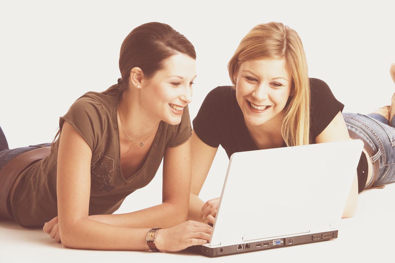 как показать друзьям фото через интернет бархатной